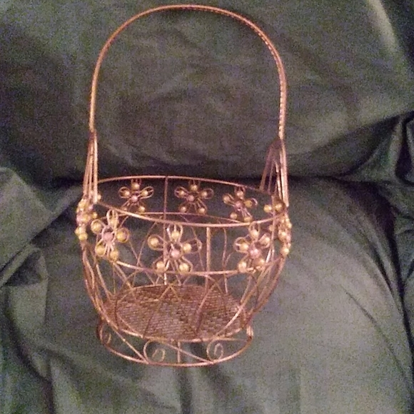Other - Vintage. Wire beaded basket